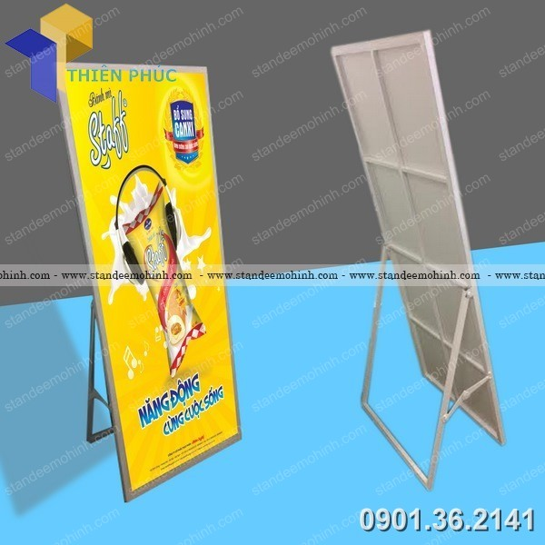 standee trung bay uy tin