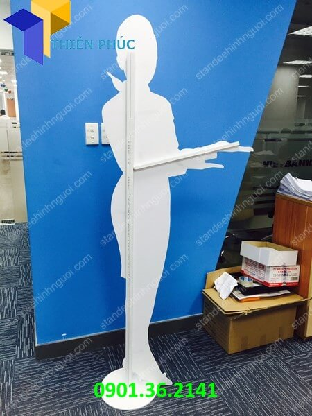 standee-mo-hinh-nguoi-lam-standee-hinh-nguoi